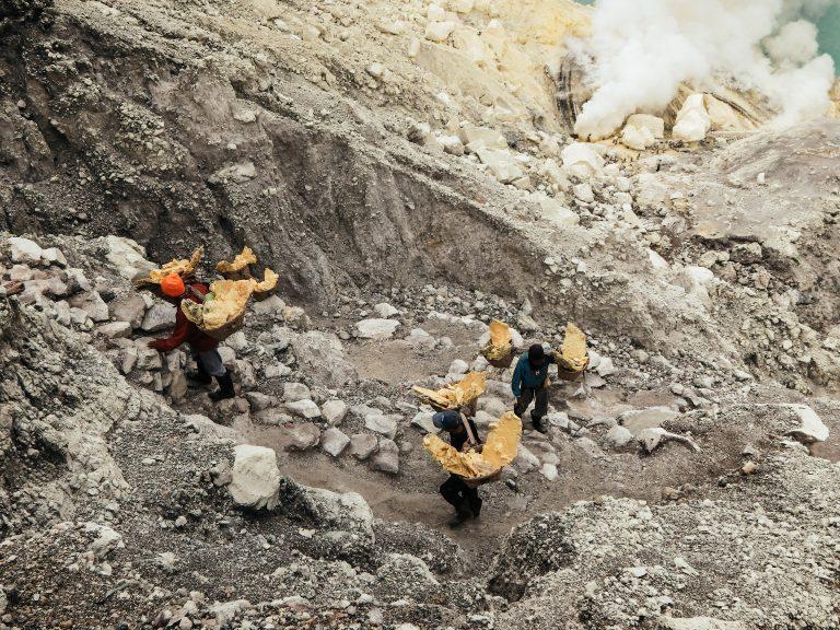 Climbing the Ijen Vulcano