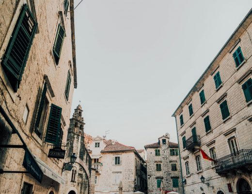 View on different Buildings in Kotor