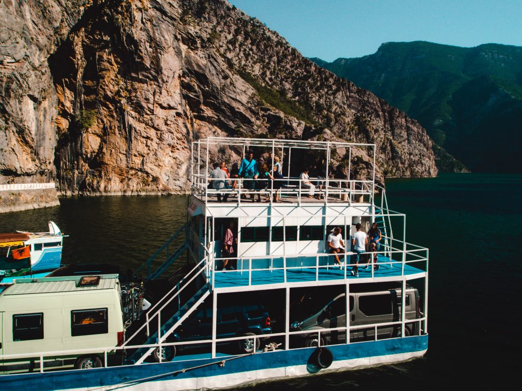 The boat / ferry to ride Lake Koman