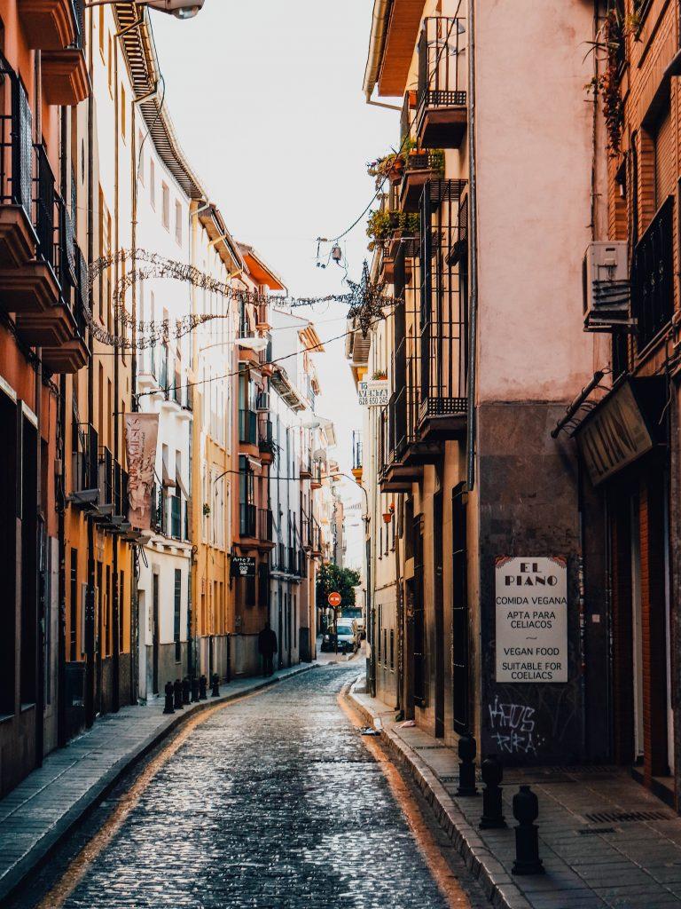Streets in Granada, City Guide