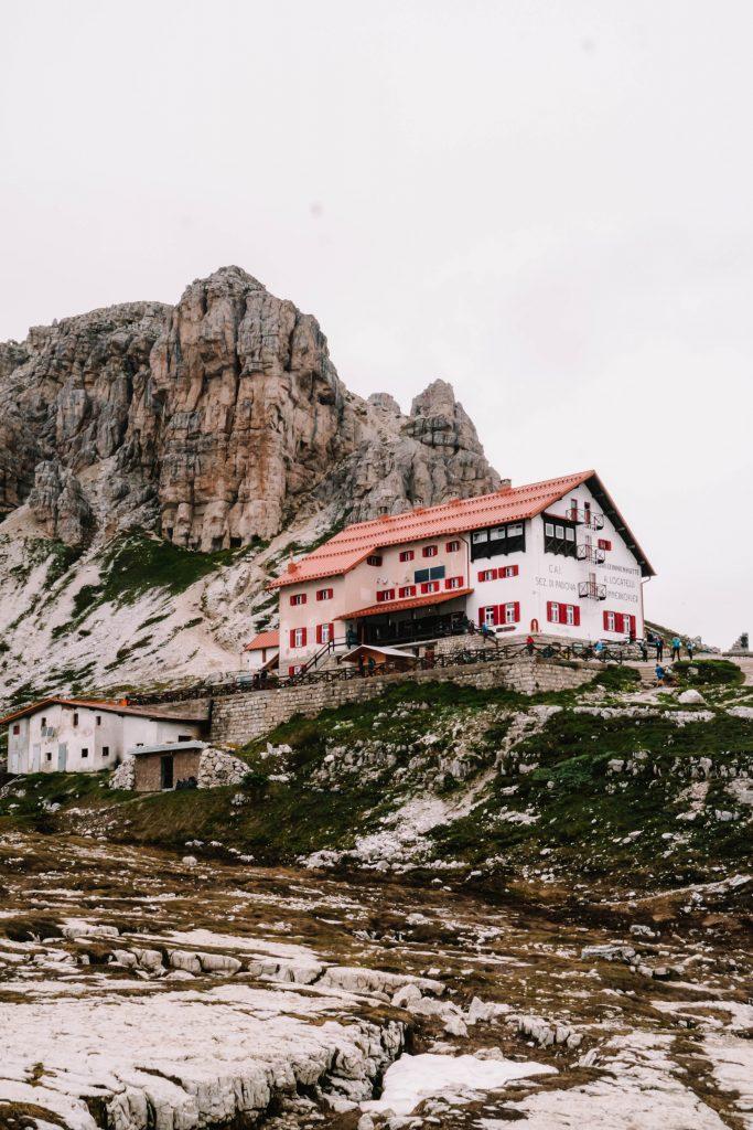 Rifugio Locatelli - Dreizinnenhutte to rest during the hike
