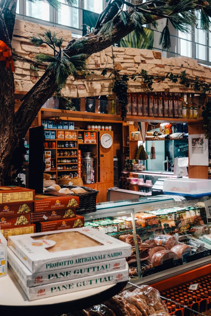Markthalle Innsbruck, Shopping, eating and drinking, Austria